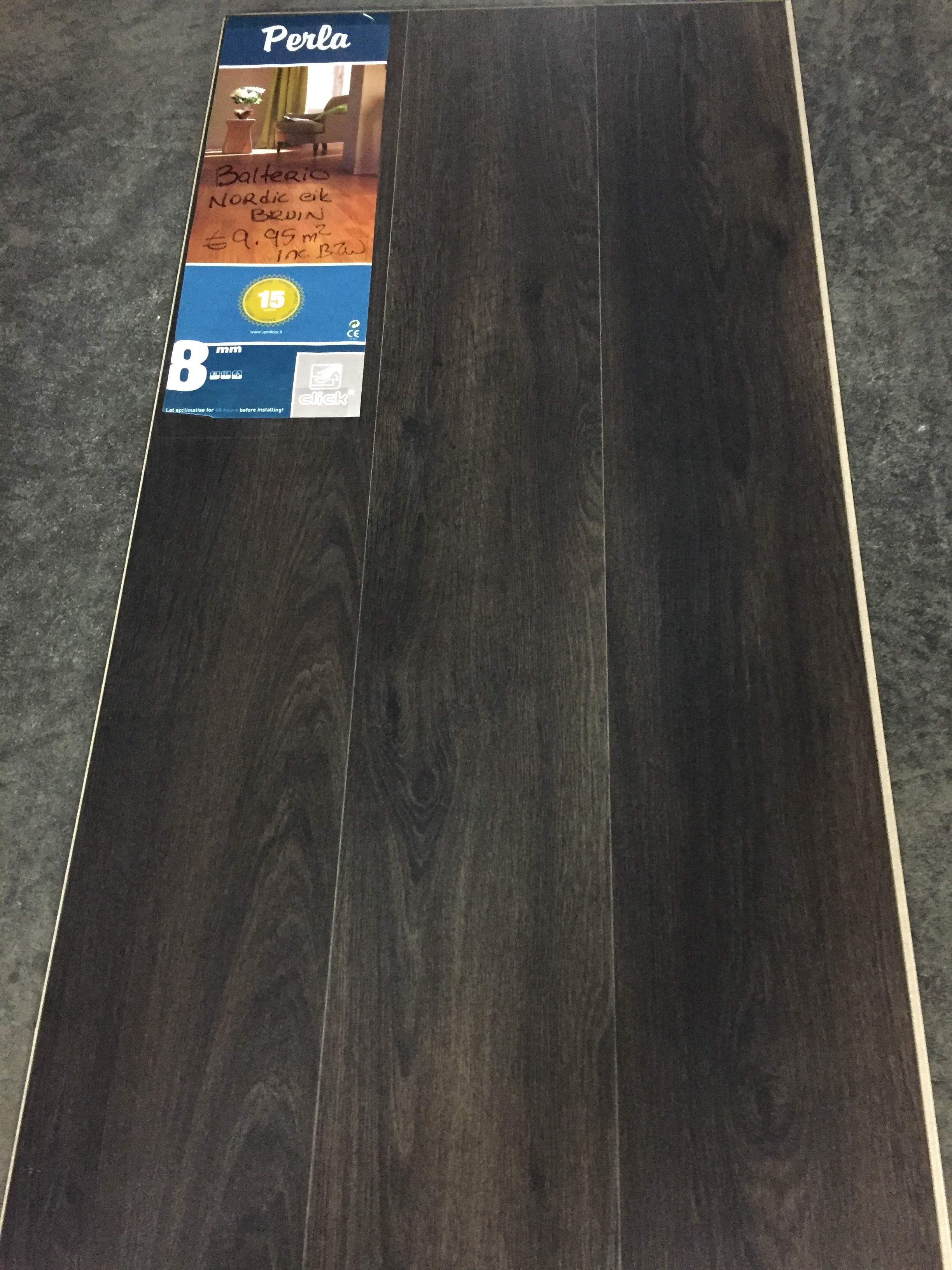 laminaat nordic oak donker bruin zwart 8mm dik