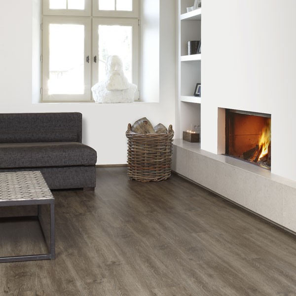 pergo flooring in kitchen berg eik 3161 3033 1 41 5m2 2 laminaat concurrent 4150