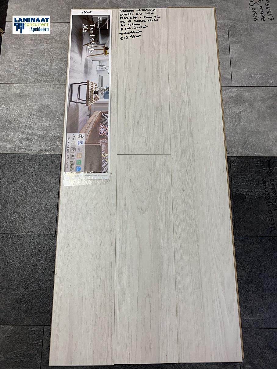 85f90822ab5 Tarkett Laminaat Poetic Oak Silk Wit 8mm 4V - Laminaat Concurrent